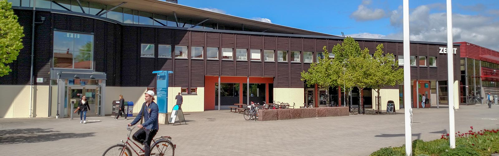 Linköping University building during a school day