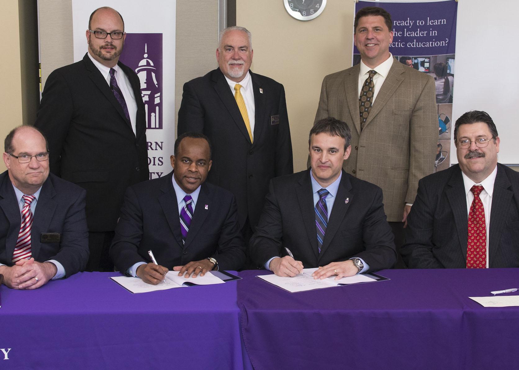 WIU Palmer Enter Partnership Western Illinois University News