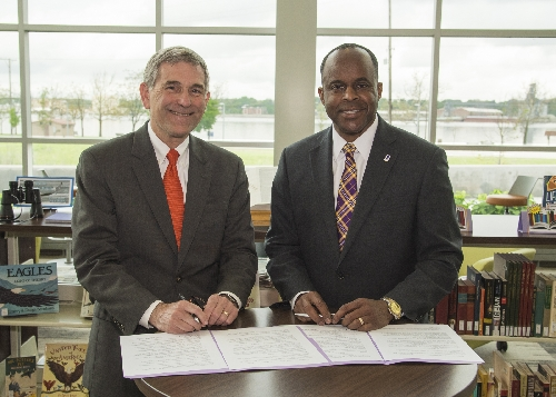 WIU-QC, Wartburg College Agreement Offer Integrated History/Museum Studies Bachelor's/Master's Degree