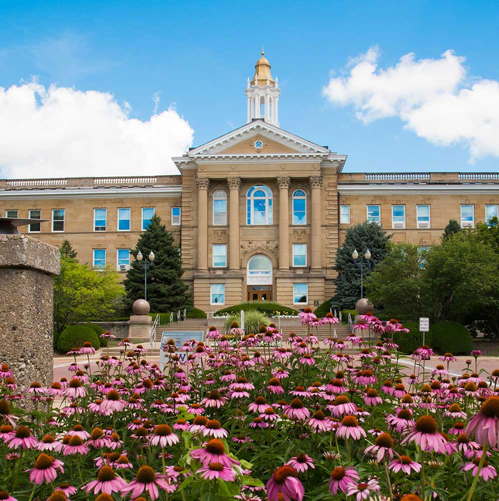 Undergraduate Admissions Western Illinois University